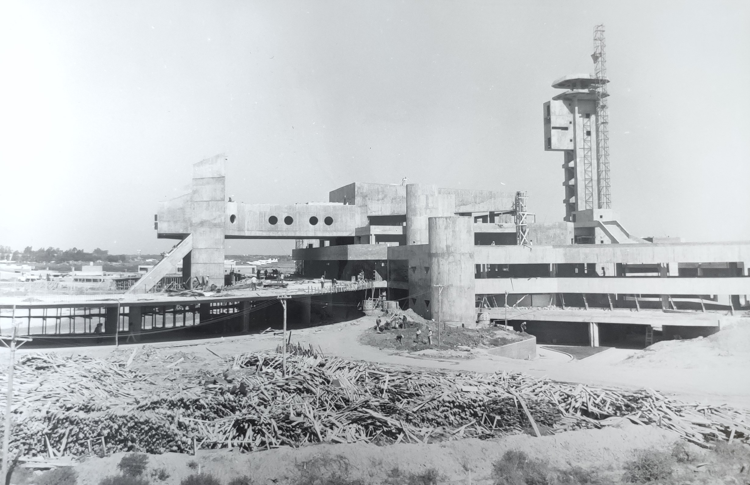 Aeropuerto de Asunción (29 de abril de 1977)